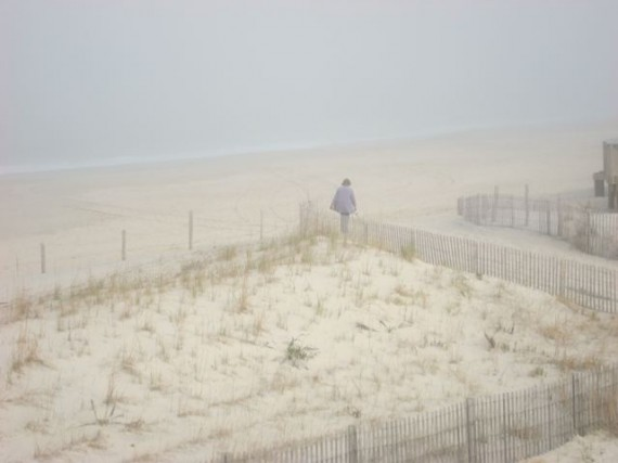 Foggy morning at Delaware beach