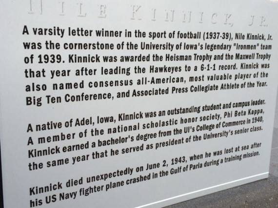 Nile Kinnick, Jr statue at University of Iowa
