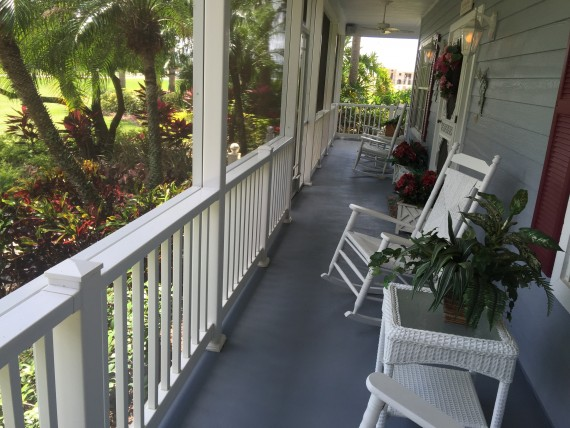 Florida living on a nice front porch