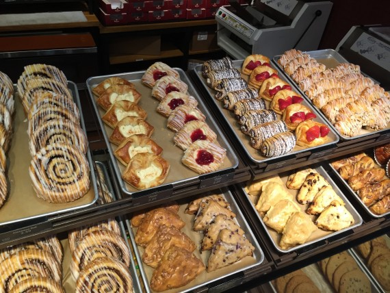 Panera Bread pastry display