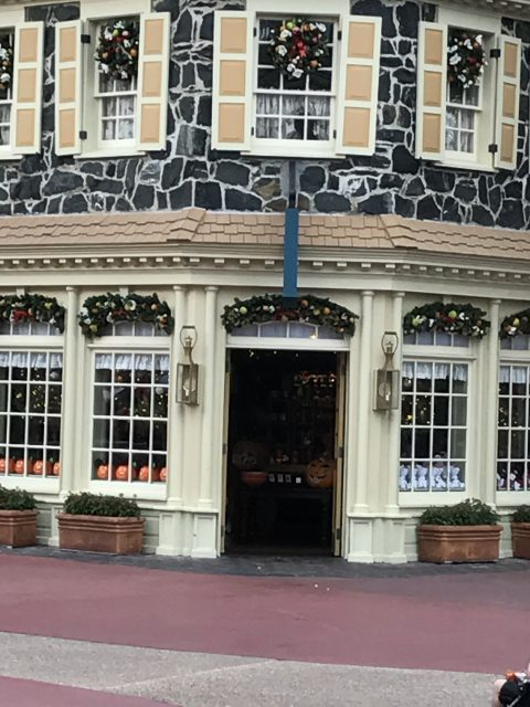 Disney's Liberty Square Christmas shop